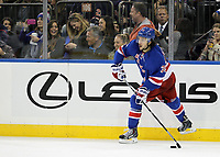 Ishockey<br /> NHL<br /> Foto: imago/Digitalsport<br /> NORWAY ONLY<br /> <br /> October 3, 2014: New York Rangers left wing Mats Zuccarello (36) enters the puck during a preseason NHL Eishockey Herren USA game between the Chicago Blackhawks and the New York Rangers at Madison Square Garden in New York, NY