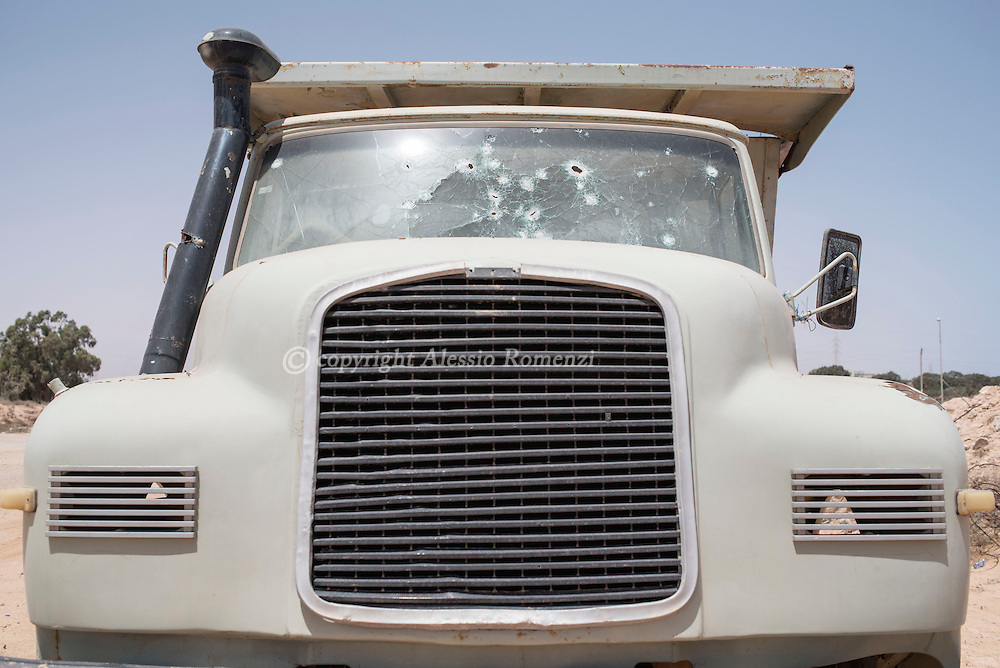 Libya: Riddled windshield of a truck in Sirte. Alessio Romenzi