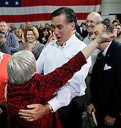 20111209 - Mitt Romney Campaigns in Cedar Rapids