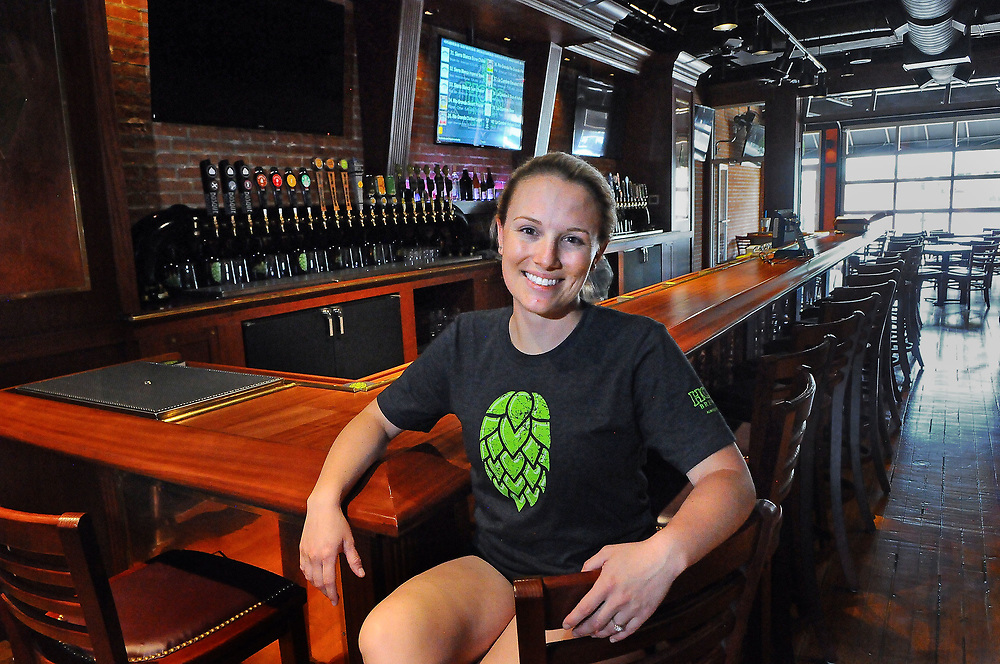 jt071317h/ arts/jim thompson/  Lauren Shull, manager of  Hops Brewery on Central Ave. in Nob Hill. Thursday,  July. 13, 2017. (Jim Thompson/Albuquerque Journal)e