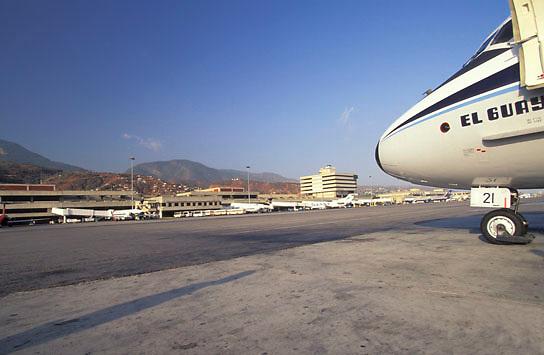 Aeropuerto Internacional Simón Bolivar, Edo, Vargas, Venezuela.