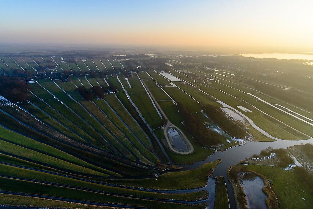 Nederland, Noord-Holland, Nieuw-Loosdrecht, 'De Ster', 14-02-2017;  het lokale riviertje 'de Drecht' eindigt in 'de Ster' (naar de vorm). Veenweidegebied ten Oosten van Loosdrecht en de Loosdrechtsche Plassen. Local stream ends in form of a star. The star shape is the result of diging up the peat in the past. <br /> luchtfoto (toeslag op standard tarieven);<br /> aerial photo (additional fee required);<br /> copyright foto/photo Siebe Swart