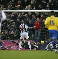 Photo: Rich Eaton.<br /> <br /> West Bromwich Albion v Preston North End. Coca Cola Championship. 26/12/2006. Diomansy Kamara of West Brom #15 scores past Preston Keeper Carlo Nash to make it 2-0