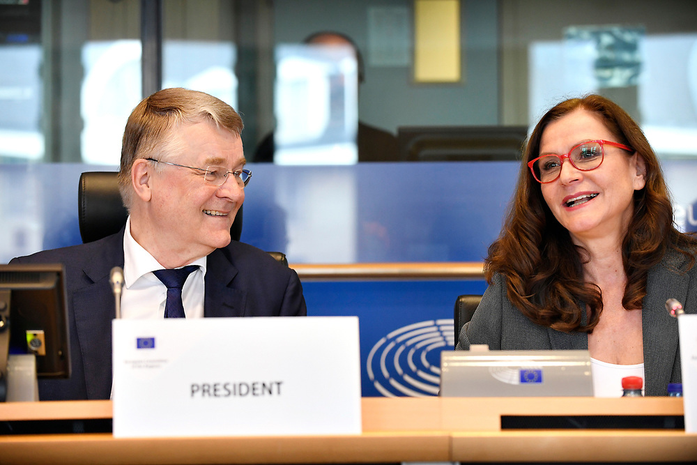 12 May 2017, 123rd Plenary Session of the European Committee of the Regions <br /> Belgium - Brussels - May 2017 <br />  <br /> CoR President Markkula and Gudrun Mosler-T&ouml;rnstr&ouml;m, President of the Congress of the Council of Europe <br /> <br /> &copy; European Union / Fred Guerdin