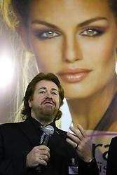 Klaus Peter Ochs, presidente da Intercoiffure Mundial durante a abertura oficial da HAIR BRASIL - 6º Feira Internacional de Beleza, Cabelos e Estética, que acontece de 13 a 16 de abril de 2007, no Expo Center Norte, em São Paulo. FOTO: Jefferson Bernardes/Preview.com