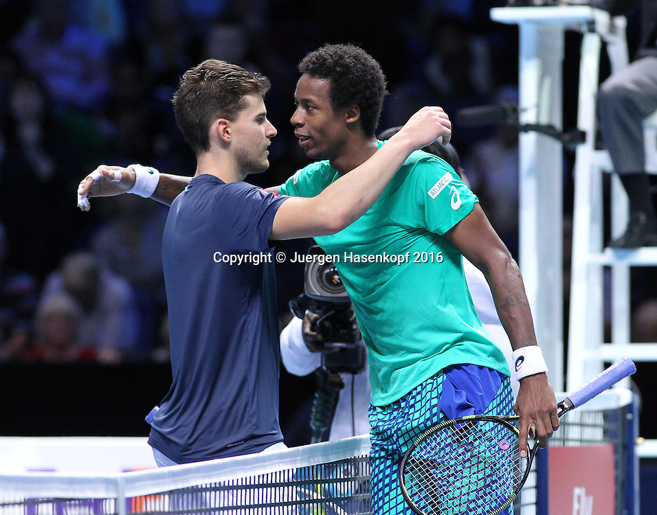 Gael Monfils gratuliert dem Sieger DOMINIC THIEM (AUT), ATP World Tour Finals, O2 Arena, London, England.<br /> <br /> Tennis - ATP World Tour Finals 2016 - ATP -  O2 Arena - London -  - Great Britain  - 15 November 2016. <br /> &copy; Juergen Hasenkopf/Grieves