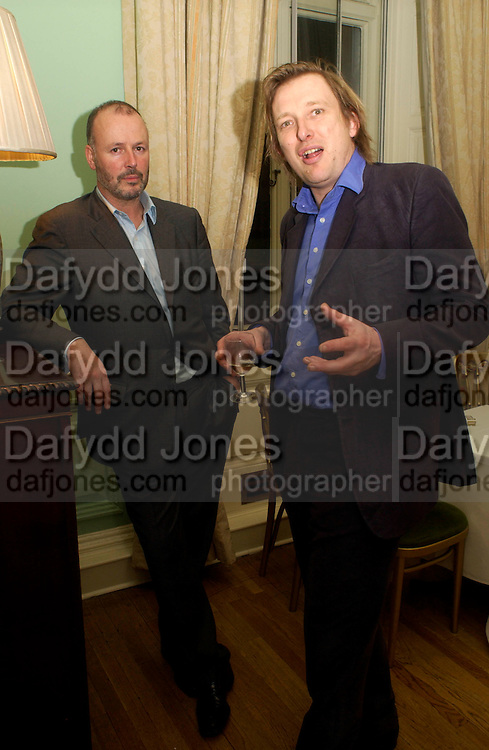 Simon Oakes and Willie Nickerson, Party to celebrate the publication of ' The Swallow and the Hummingbird by Santa Sebag-Montefiore. The English Speaking Union. 15 March 2004. ONE TIME USE ONLY - DO NOT ARCHIVE  © Copyright Photograph by Dafydd Jones 66 Stockwell Park Rd. London SW9 0DA Tel 020 7733 0108 www.dafjones.com