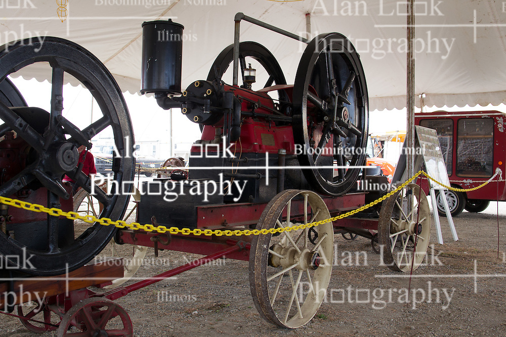 01 August 2014:   McLean County Fair.  International Harverster Portable Engine at the antique tractor display.
