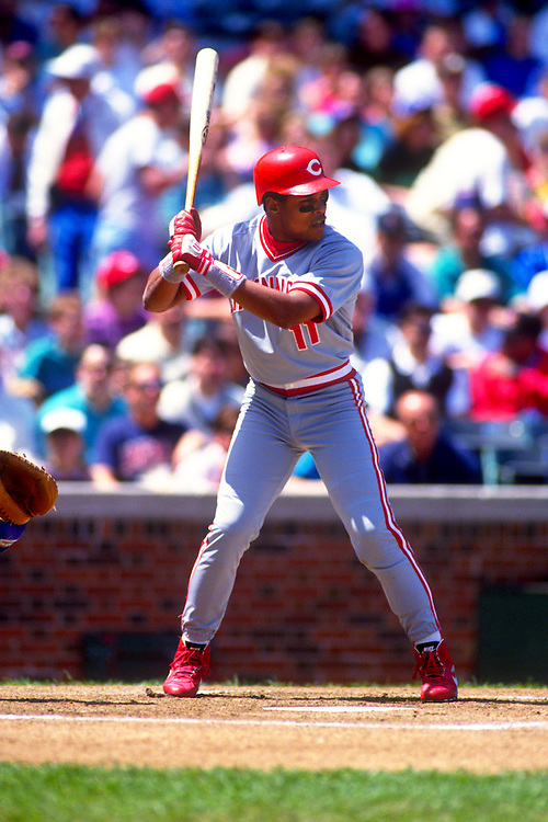 CHICAGO:  Barry Larkin of the Cincinnati Reds bats against the Chicago Cubs during an MLB game at Wrigley Field in Chicago, Illinois.  Larkin played for the Reds from 1986-2004.   (Photo by Ron Vesely)   Subject: Barry Larkin.