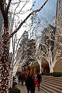 New York. 57 street and fifth avenue during christmas; Christmas Lighting New York - United States / la 57 em rue et 5em avenue, Illuminations pour les fetes de Noel dans les rues  New York - Etats Unis