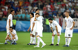 Dissapointed Italian team during penalty shots during the UEFA EURO 2008 Quarter-Final soccer match between Spain and Italy at Ernst-Happel Stadium, on June 22,2008, in Wien, Austria. Spain won after penalty shots 4:2. (Photo by Vid Ponikvar / Sportal Images)