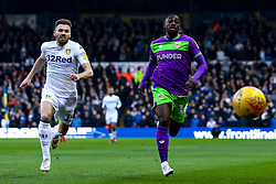 Hakeeb Adelakun of Bristol City and Stuart Dallas of Leeds United chase the ball down - Mandatory by-line: Robbie Stephenson/JMP - 24/11/2018 - FOOTBALL - Elland Road - Leeds, England - Leeds United v Bristol City - Sky Bet Championship