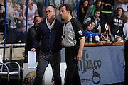 DESCRIZIONE :Siena  Lega A 2011-12 Montepaschi Siena Cimberio Varese Play off gara 1<br /> GIOCATORE : arbitro<br /> CATEGORIA : fair play<br /> SQUADRA : <br /> EVENTO : Campionato Lega A 2011-2012 Play off gara 1 <br /> GARA : Montepaschi Siena Cimberio Varese<br /> DATA : 17/05/2012<br /> SPORT : Pallacanestro <br /> AUTORE : Agenzia Ciamillo-Castoria/ GiulioCiamillo<br /> Galleria : Lega Basket A 2011-2012  <br /> Fotonotizia : Siena  Lega A 2011-12 Montepaschi Siena Cimberio Varese Play off gara 1<br /> Predefinita :