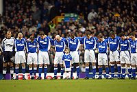 Fotball: Everton players stand for a minuite's silence in memory of Princess Margret who died yesterday before the Premiership match against Arsenal at Goodison Park, Liverpool. Arsenal won 1-0.<br />