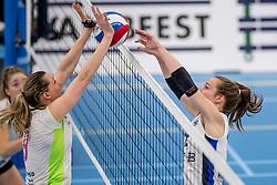 25-10-2017 NED: Sliedrecht Sport - Eurosped TVT, Sliedrecht<br /> Sliedrecht Sport wint met 3-1 van Eurosped / Lisa Vossen #12 of Sliedrecht Sport, Laura Beach #9 of Eurosped