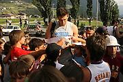 DESCRIZIONE : Bormio Ritiro Nazionale Italiana Maschile Preparazione Eurobasket 2007 Allenamento <br /> GIOCATORE : Andrea Bargnani<br /> SQUADRA : Nazionale Italia Uomini EVENTO : Bormio Ritiro Nazionale Italiana Uomini Preparazione Eurobasket 2007 GARA :<br /> DATA : 24/07/2007 <br /> CATEGORIA : Allenamento <br /> SPORT : Pallacanestro <br /> AUTORE : Agenzia Ciamillo-Castoria/S.Silvestri <br /> Galleria : Fip Nazionali 2007 <br /> Fotonotizia : Bormio Ritiro Nazionale Italiana Maschile Preparazione Eurobasket 2007 Allenamento <br /> Predefinita :