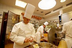 Collonges au Mont d'Or (69) 03/03/06 Le chef Paul Bocuse au travail dans la cuisine de son restaurant High cuisine chef Paul Bose died at 91 it was announced on Saturday. Photo by Soudan/ANDBZ/ABACAPRESS.COM