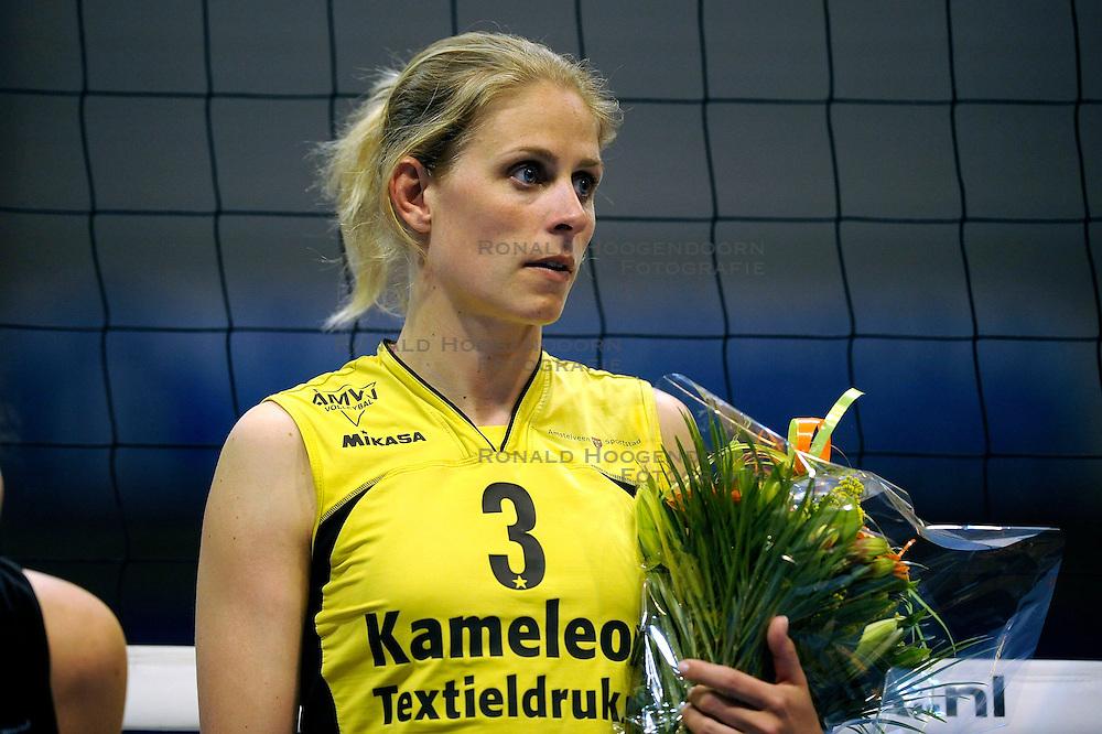24-04-2009 VOLLEYBAL: PLAY OFF FINALE AMVJ - DELA MARTINUS: AMSTELVEEN<br /> DELA Martinus opnieuw kampioen van Nederland / Mered de Vries<br /> &copy;2009-WWW.FOTOHOOGENDOORN.NL