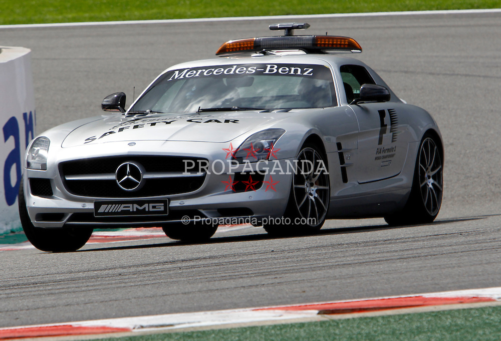Motorsports / Formula 1: World Championship 2010, GP of Belgium, safety car