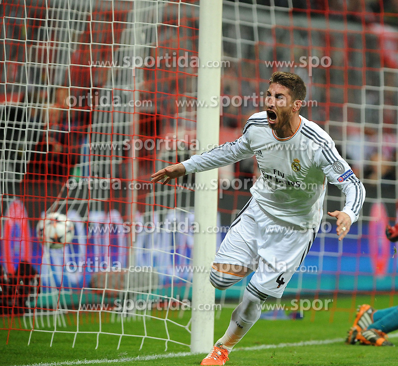 29.04.2014, Allianz Arena, Muenchen, GER, UEFA CL, FC Bayern Muenchen vs Real Madrid, Halbfinale, Ruckspiel, im Bild Jubel bei Sergios Ramos (Real Madrid) nach seinem Tor zum 0:1 fuer Real Madrid // during the UEFA Champions League Round of 4, 2nd Leg Match between FC Bayern Munich vs Real Madrid at the Allianz Arena in Muenchen, Germany on 2014/04/29. EXPA Pictures &copy; 2014, PhotoCredit: EXPA/ Eibner-Pressefoto/ Stuetzle<br /> <br /> *****ATTENTION - OUT of GER*****
