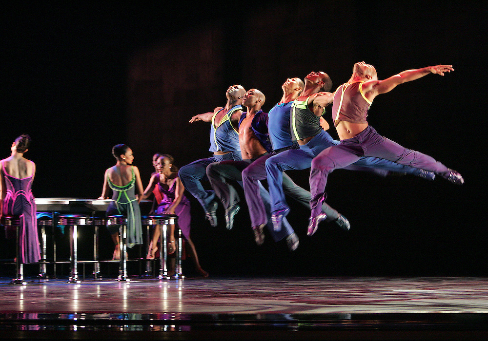 Reminiscin'.Chor. Judith Jamison.Alvin Ailey American Dance Theater.NJPAC.August 16, 2005.Credit Photo ©Paul Kolnik.NYC 212.362.7778.studio@paulkolnik.com
