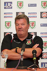 VUKOVAR, CROATIA - Saturday, May 22, 2010: Wales' manager John Toshack MBE during a press conference at the Hotel Lev in Vukovar ahead of the International Friendly match against Croatia. (Pic by David Rawcliffe/Propaganda)