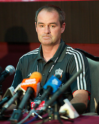 KUALA LUMPUR, MALAYSIA - Saturday, July 16, 2011: Liverpool's assistant manager Steve Clarke takes questions in a press conferene in place of the absent Kenny Dalglish at the National Stadium Bukit Jalil in Kuala Lumpur on day six of the club's Asia Tour. (Photo by David Rawcliffe/Propaganda)