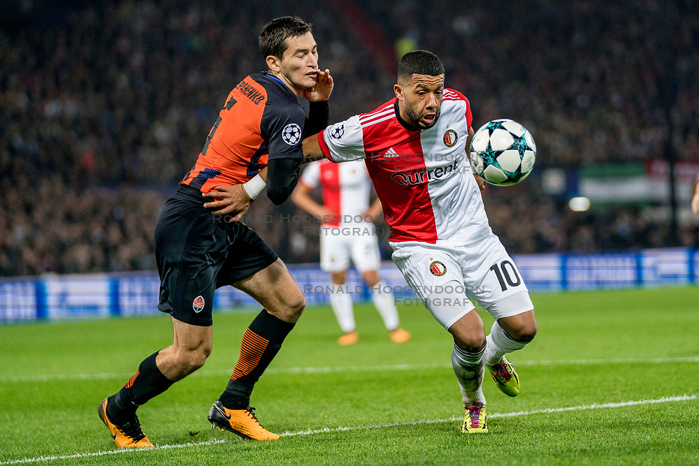 17-10-2017 NED, UEFA CL, Feyenoord - FC Shakhtar Donetsk, Rotterdam<br /> UEFA Champions League Round of 16, 3rd Leg match between Feyenoord vs. Donetsk at the stadion DE Kuip in Rotterdam / Tonny Vilhena #10 of Feyenoord, Taras Stepanenko #6 of Shakhtar Donetsk