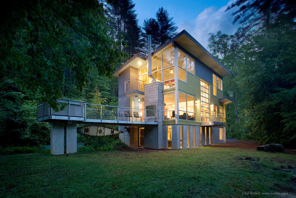 Residential interior, exterior, daylight and dusk architectural photography by Atlanta based photographer Ed Wolkis.