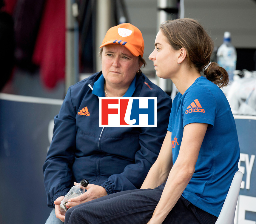 AUCKLAND - Sentinel Hockey World League final women<br /> Match id: 10299<br /> 09 NED v KOR (Pool A)<br /> Foto:  Alyson ANNAN Head Coach and Eva de Goede.<br /> WORLDSPORTPICS COPYRIGHT FRANK UIJLENBROEK