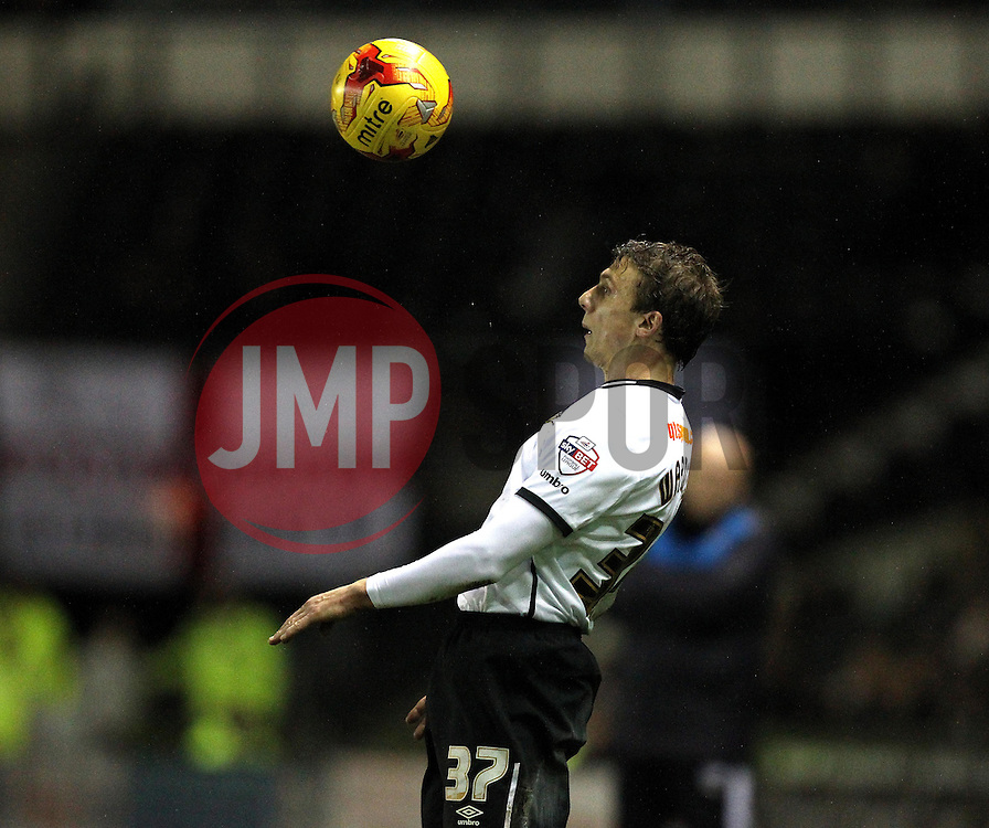 Stephen Warnock of Derby County controls the ball - Mandatory byline: Robbie Stephenson/JMP - 12/01/2016 - FOOTBALL - iPro Stadium - Derby, England - Derby County v Reading - Sky Bet Championship