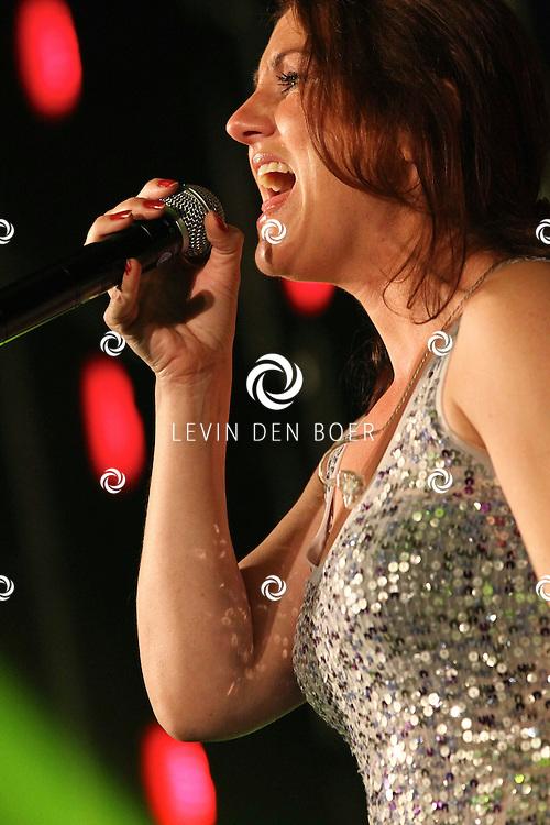 ALEM - Tijdens alempop gaf de band First Showband een geweldig optreden. FOTO LEVIN DEN BOER - PERSFOTO.NU