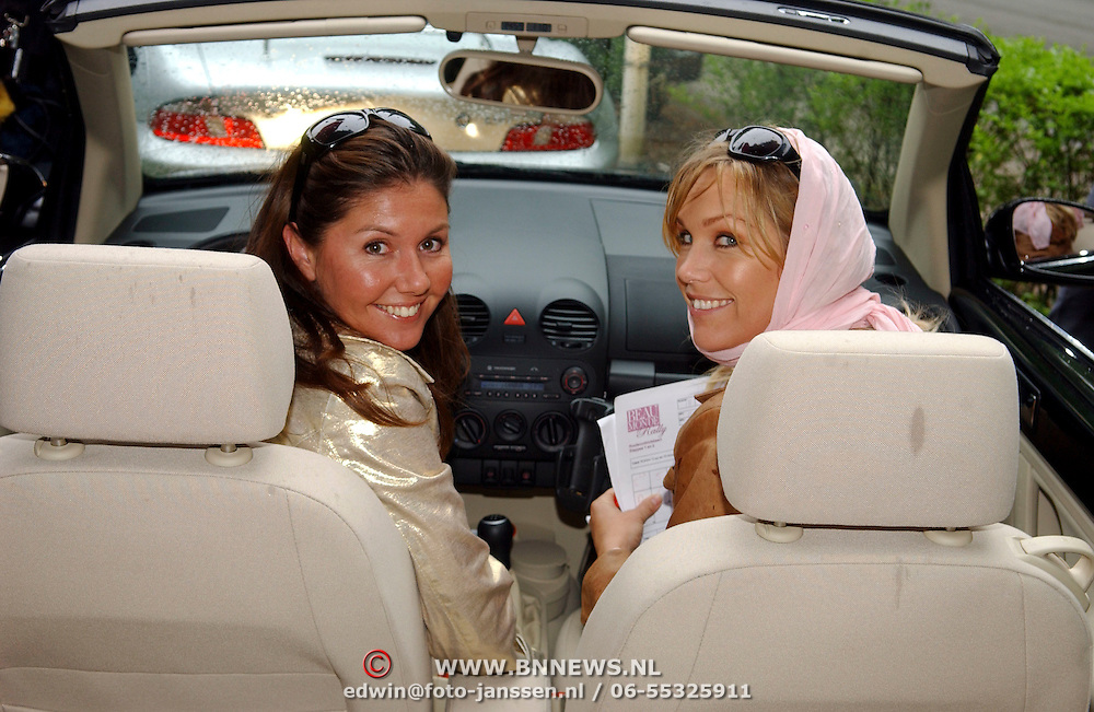 NLD/Vierhouten/20050530 - Society vrouwen rijden de BeauMonde Rally 2005, Josefine van Asdonk en Tanja Jess
