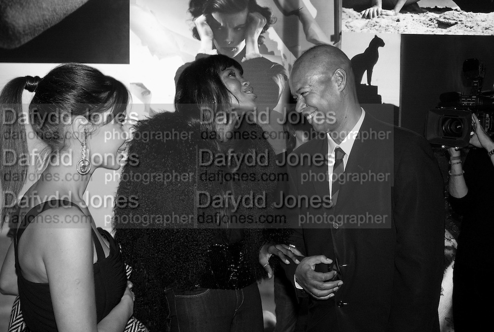 NAOMI CAMPBELL AND MICHAEL ROBERTS, Vanity Fair Portraits: Photographs 1913-2008. Hosted by Burberry and Vanity Fair. National Portrait Gallery. London. 9 February 2008.  *** Local Caption *** -DO NOT ARCHIVE-© Copyright Photograph by Dafydd Jones. 248 Clapham Rd. London SW9 0PZ. Tel 0207 820 0771. www.dafjones.com.