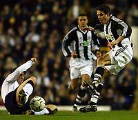 Fotball, 29. januar 2003, Tottenham Spurs v Newcastle, FA Barclaycard Premiership, White Hart Lane, Darren Anderton , Tottenham, og  Laurent Robert, Newcastle<br />Foto:  Javier Garcia, Digitalsport