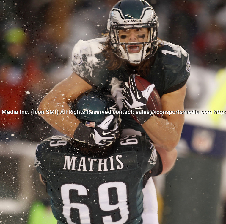 Dec. 8, 2013 - Philadelphia, PA, USA - Philadelphia Eagles' Riley Cooper celebrates with Evan Mathis after his two-point conversion against the Detroit Lions at Lincoln Financial Field in Philadelphia on Sunday, Dec. 8, 2013. The Eagles won, 34-20