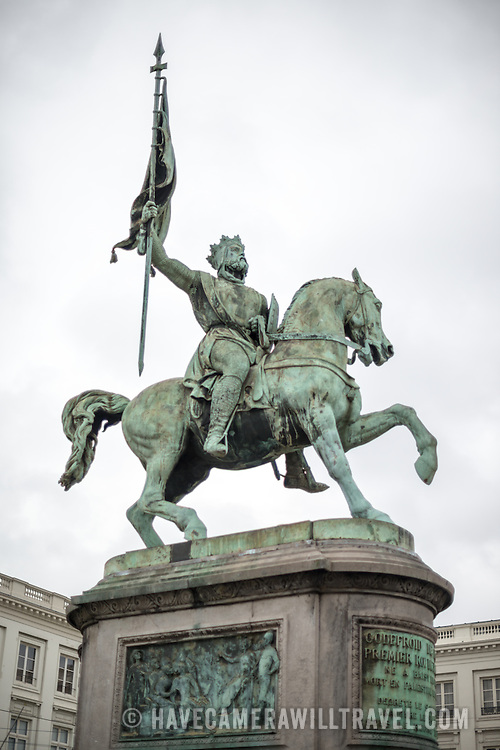 A statue of Godfrey of Bouillon, leader of the first crusade in 1096 AD, stands in the center of the Place Royale in central Brusses, Belgium. The statue was sculpted by Eugene Simonis in 1848. The statue stands in front of the Church of Saint Jacques-sur-Coudenberg.