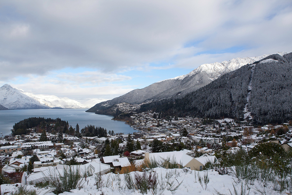 Central Queenstown is covered in snow after storm passes through, Queenstown, New Zealand, Wednesday, May 29, 2013. Credit:SNPA / Teaukura Moetaua