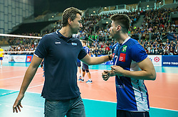 16.11.2016, Olympiahalle, Innsbruck, AUT, CEV Volleyball Champions League, Hypo Tirol Volleyballteam vs VFB Friedrichshafen, 3. Runde, Hinspiel, im Bild v.l.n.r.: Head Coach Daniel Razvan Gavan (Hypo Tirol Innsbruck) und Murat Yenipazar (Hypo Tirol Innsbruck) // v.l.n.r.: Head Coach Daniel Razvan Gavan (Hypo Tirol Innsbruck) und Murat Yenipazar (Hypo Tirol Innsbruck) during CEV Volleyball Champions League match between Hypo Tirol Volleyballteam and VFB Friedrichshafen at the Olympiahalle in Innsbruck, Austria on 2016/11/16. EXPA Pictures © 2016, PhotoCredit: EXPA/ Jakob Gruber