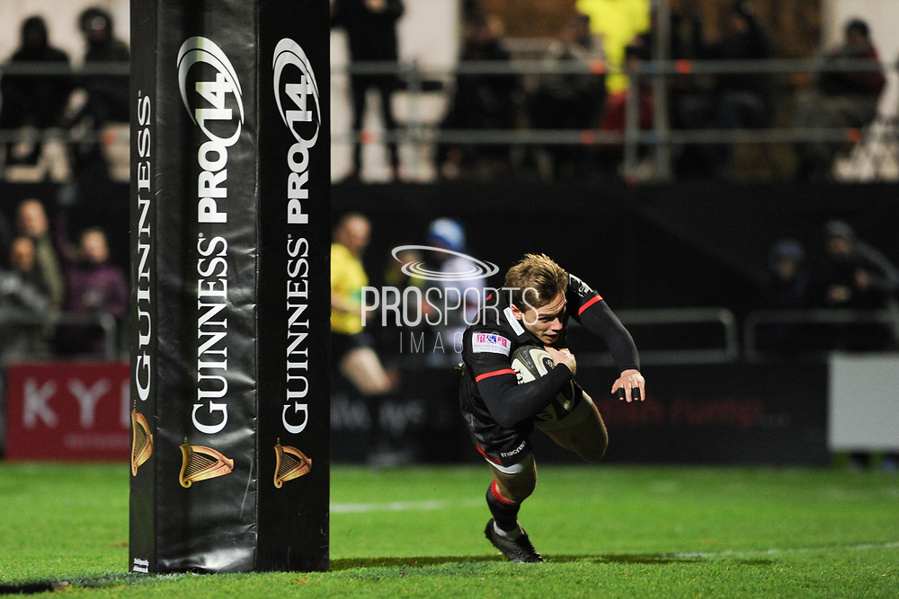 Nathan Fowles scores try at start of second half in the Guinness Pro 14 2017_18 match between Edinburgh Rugby and Ospreys at Myreside Stadium, Edinburgh, Scotland on 4 November 2017. Photo by Kevin Murray.