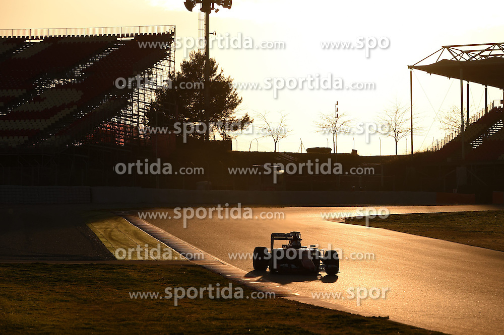 27.02.2015, Circuit de Catalunya, Barcelona, ESP, FIA, Formel 1, Testfahrten, Barcelona, Tag 2, im Bild Sebastian Vettel (GER) Ferrari SF15-T // during the Formula One Testdrives, day two at the Circuit de Catalunya in Barcelona, Spain on 2015/02/27. EXPA Pictures &copy; 2015, PhotoCredit: EXPA/ Sutton Images/ Mark Images<br /> <br /> *****ATTENTION - for AUT, SLO, CRO, SRB, BIH, MAZ only*****