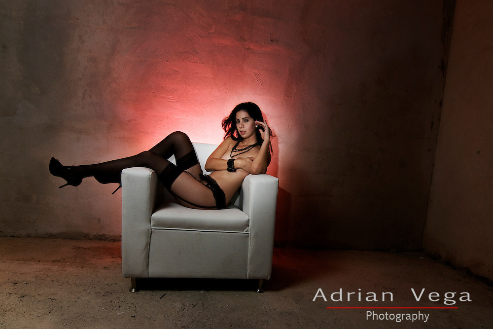 Boudoir picture in warehouse, location photography