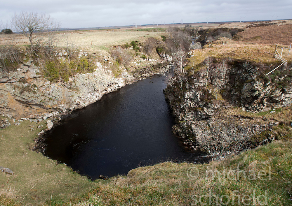 The Devils pool. Historian Ashley Cowie at the 'The Devil's Gold' in Dirlot, Caithness. He is doing a seven part series for The Scottish Sun on Scotland's treasure hunts at the end of April..©Michael Schofield.