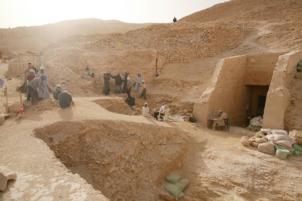 Utgravninger i Kongenes Dal.