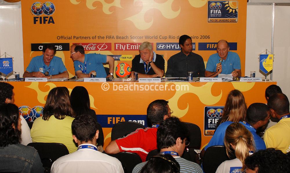 Football-FIFA Beach Soccer World Cup 2006 - Semi-final -Press conference with the general Secretary of FIFA Urs Linsi, The President of CBF, Ricardo teixeira and Brazilian Minister of Sports, Orlando Silva - Rio de Janeiro - Brazil 11/11/2006<br />Mandatory credit: FIFA/ Marco Antonio Rezende.