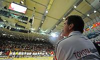 Handball EM Herren 2010 Hauptrunde Deutschland - Frankreich 24.01.2010 Heiner Brand (Teamchef GER) konzentriert vor dem Spiel