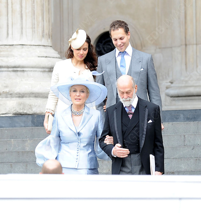 05.JUNE.2012. LONDON<br /> <br /> LORD FREDERICK WINDSOR AND SOPHIE LARA WINKLEMAN, LADY FREDERICK WINDSOR, PRINCE MICHAEL AND PRINCESS MICHAEL OF KENT LEAVING THE SERVICE OF THANKSGIVING AS PART OF THE QUEEN'S DIAMOND JUBILEE CELEBRATIONS AT ST PAUL'S CATHEDRAL IN LONDON<br /> <br /> BYLINE: EDBIMAGEARCHIVE.CO.UK<br /> <br /> *THIS IMAGE IS STRICTLY FOR UK NEWSPAPERS AND MAGAZINES ONLY*<br /> *FOR WORLD WIDE SALES AND WEB USE PLEASE CONTACT EDBIMAGEARCHIVE - 0208 954 5968*