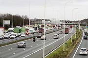 Verkeersdrukte bij de A28 ter hoogte van de Uithof in Utrecht.<br /> <br /> Traffic jam at the A28 near De Uithof in Utrecht.