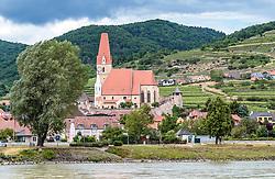 THEMENBILD - Blick auf die Wehrkirche Mariae Himmelfahrt, aufgenommen am 7. Juni 2017, Weißenkirchen in der Wachau, Oesterreich // the Parish church of Weissenkirchen at Weissenkirchen in der Wachau, Austria on 2017/06/07. EXPA Pictures © 2017, PhotoCredit: EXPA/ JFK