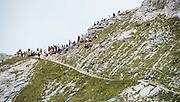 Läufer und Zuschauer am 21. Jungfrau Marathon 2013